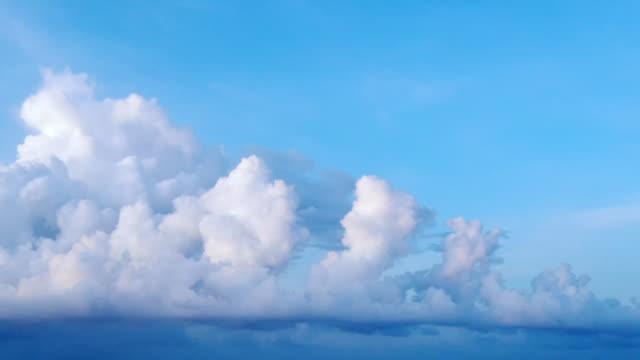 cloud moving timelapse - cumulonimbus stock videos & royalty-free footage