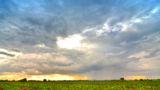 Cloud Rain at sunset (HDR)