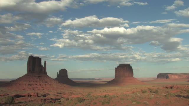 T/L, WS, Clouds above East and West Mittens, Monument Valley Navajo Tribal Park, Utah, USA