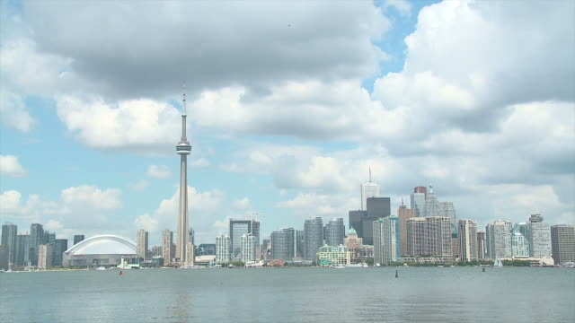 HD TIME-LAPSE: Clouds above Toronto