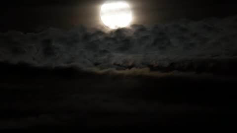 clouds and full moon rising time lapse - rymd och astronomi bildbanksvideor och videomaterial från bakom kulisserna