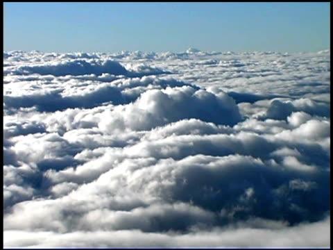 stockvideo's en b-roll-footage met clouds flowing in sky - oceanië