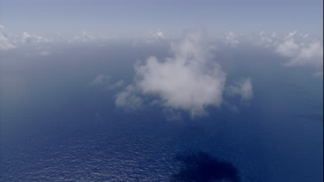 clouds hang over the pacific ocean near australia. available in hd. - high up stock videos & royalty-free footage