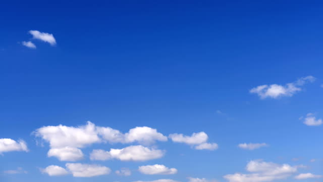 TIMELAPSE: Clouds in blue sky
