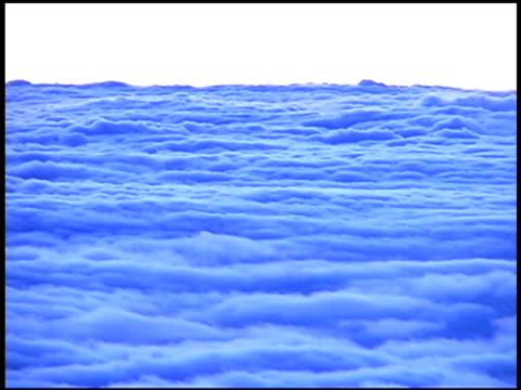 stockvideo's en b-roll-footage met clouds in sky toned blue - oceanië