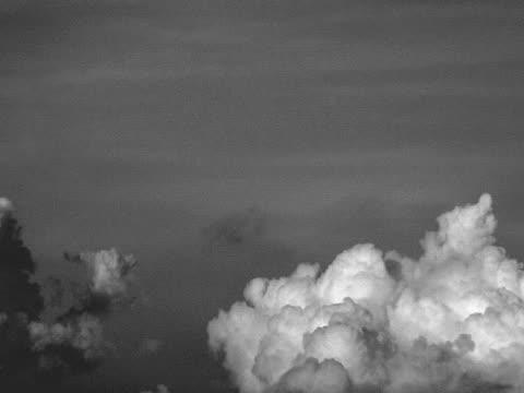 stockvideo's en b-roll-footage met clouds over holland thirteen (time-lapse) - opeenvolgende serie