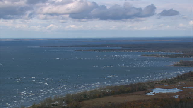 pan clouds over lake ontario / new york, united states - ontariosee stock-videos und b-roll-filmmaterial