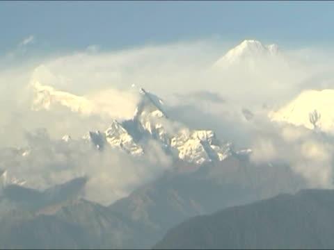 雲をピークの 4 :3 pal - 雪山点の映像素材/bロール