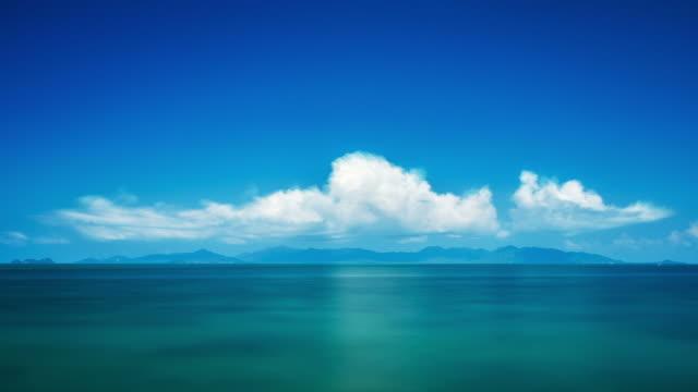 Time lapse nuvole sopra l'isola