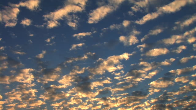 HD TIME-LAPSE: Clouds Passing By