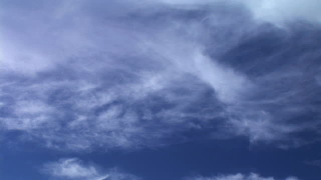HD TIME-LAPSE: Clouds
