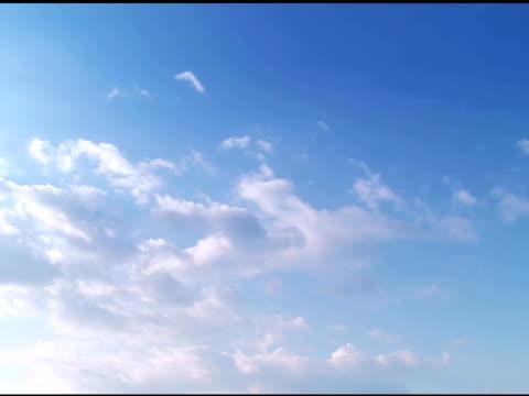 vídeos de stock, filmes e b-roll de cloudscape-parte 3 de 4, intervalo de tempo - imagem tonalizada
