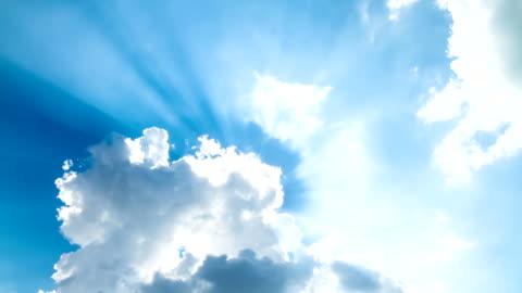 vídeos y material grabado en eventos de stock de f/l nubes - rayo de luz