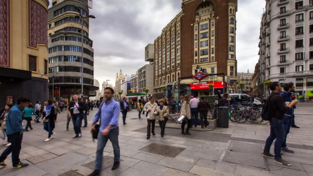 Cloudy Day in Plaza del Callao - T/L Pan