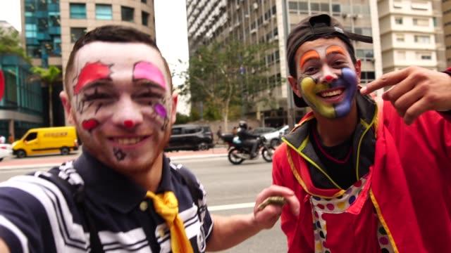 カクレクマノミが面白いの顔 - バイラルビデオ点の映像素材/bロール