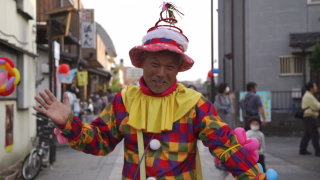 clown - kostümierung stock-videos und b-roll-filmmaterial