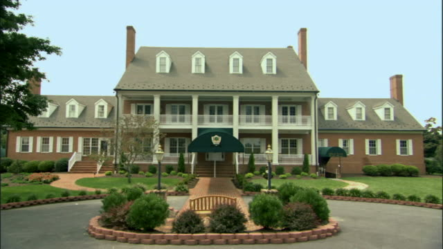 ws club house at golf resort / queenstown, maryland, usa - clubhouse stock videos & royalty-free footage