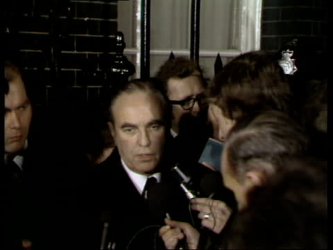 miners pay dispute: talks at number 10; england: london: downing street: ext / night sir sidney greene speaking to press outside number 10 sot - on... - week stock videos & royalty-free footage