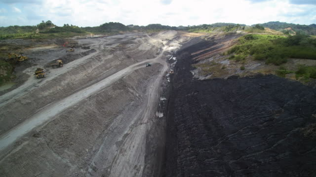 coal mine mill borneo kalimantan indonesia - coal mine stock videos & royalty-free footage