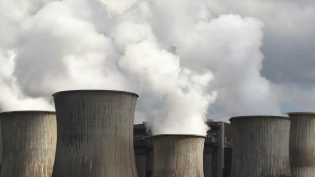 Coal Power Plant Emissions (Time Lapse)