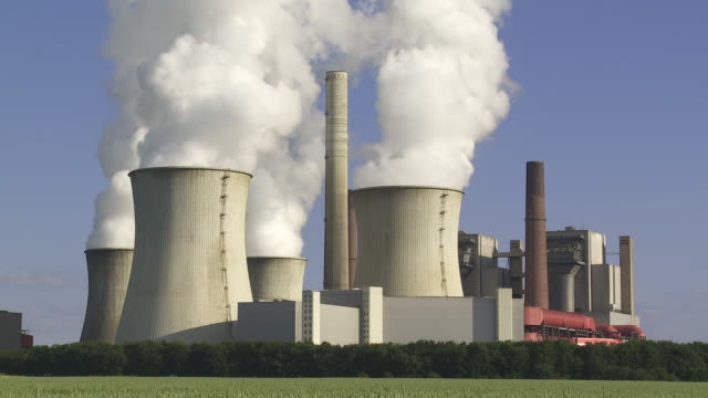 Coal Power Plant with Steaming Cooling Towers