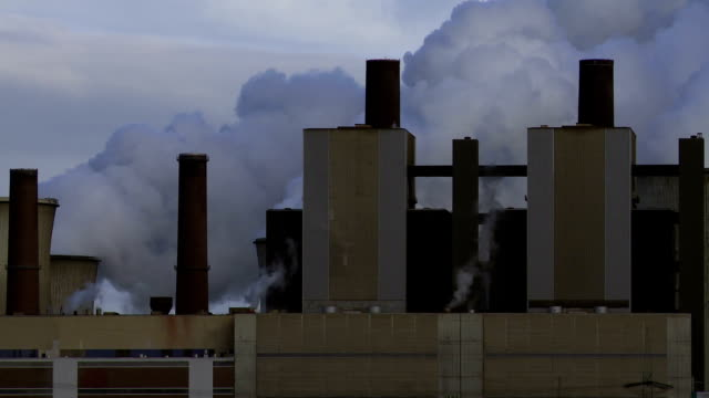 t/l coal-fired power station at work - coal fired power station stock videos & royalty-free footage