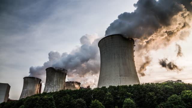 kohle-kraftwerk - fossiler brennstoff stock-videos und b-roll-filmmaterial