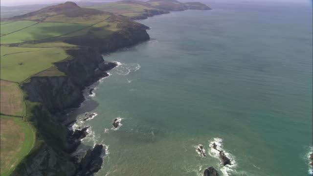 coast around abereiddi bay - pembrokeshire stock-videos und b-roll-filmmaterial
