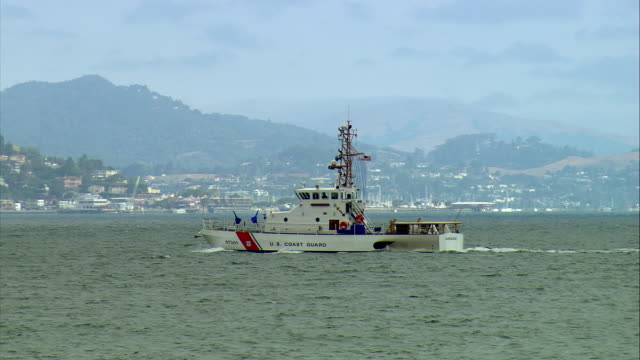 ws ts u.s. coast guard vessel 'barracuda' crossing san francisco bay, san francisco, california, usa - coast guard stock videos & royalty-free footage