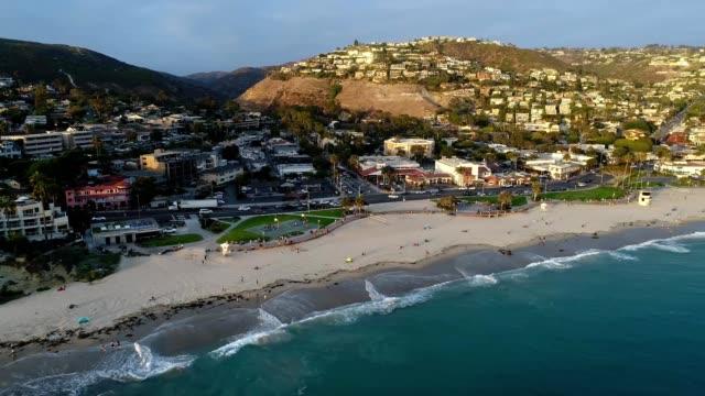 vídeos y material grabado en eventos de stock de coast of laguna beach california at sunset - laguna beach california