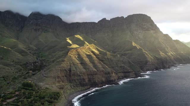 coastal scenery, gran canaria, canary islands, spain, atlantic, europe - グランカナリア点の映像素材/bロール