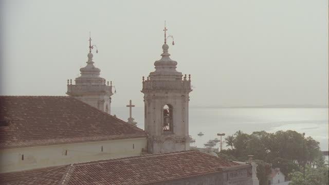 h-d coastal view of ouro preto, brazil; docks, boats, etc.; many takes - preto stock videos & royalty-free footage