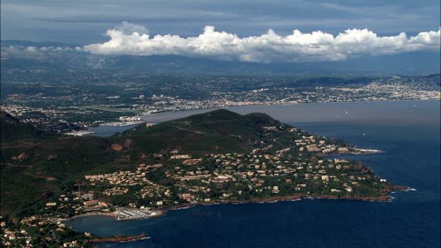 coastline around le trayas superieur  - aerial view - provence-alpes-côte d'azur, var, arrondissement de draguignan, france - var stock videos & royalty-free footage