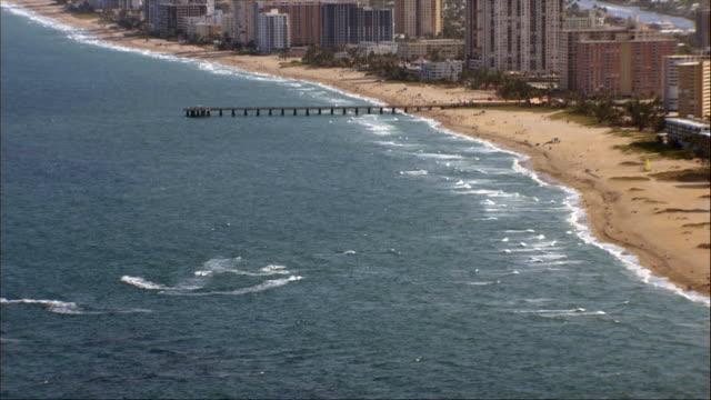 aerial, coastline, miami, florida, usa - okänt kön bildbanksvideor och videomaterial från bakom kulisserna