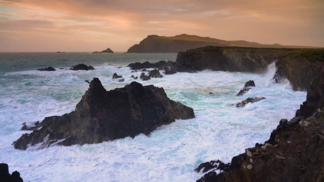 vídeos de stock, filmes e b-roll de coasts of ireland #7 - the washing machine - high dynamic range imaging