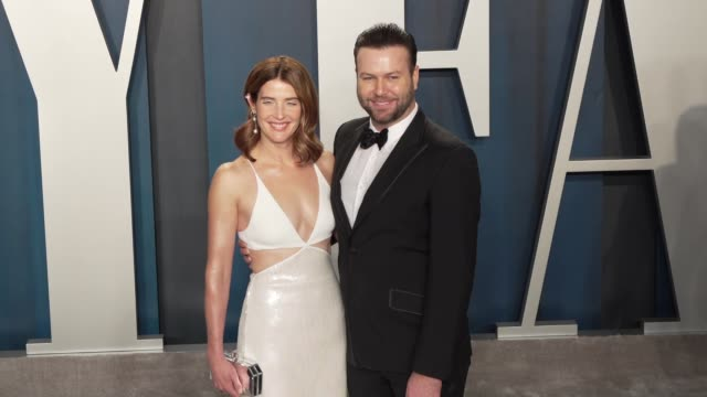 cobie smulders and taran killam at vanity fair oscar party at wallis annenberg center for the performing arts on february 09 2020 in beverly hills... - vanity fair video stock e b–roll