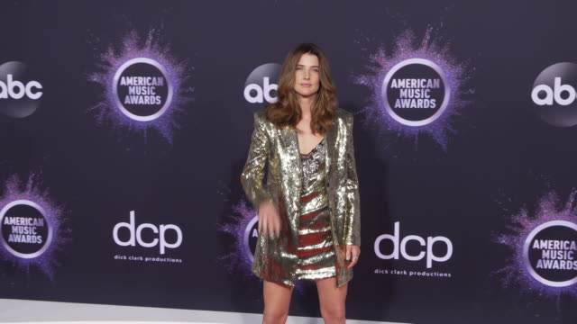 cobie smulders at the 2019 american music awards at microsoft theater on november 24, 2019 in los angeles, california. - microsoft theater los angeles stock videos & royalty-free footage