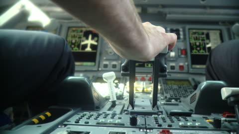 vidéos et rushes de cockpit power charge - pilote