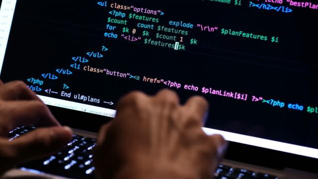 vídeos de stock, filmes e b-roll de código de programação - codificação