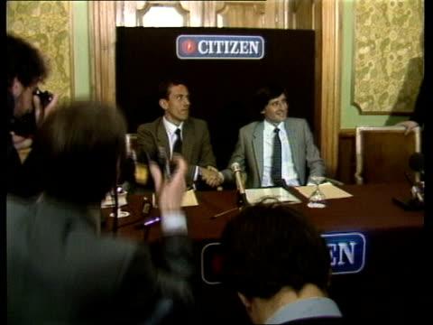 "vídeos de stock, filmes e b-roll de coe/ovett; england london sebastian coe and steve ovett into press conference cameras both seated - shake hands sebastian coe: sof: ""i think... - sebastian coe"