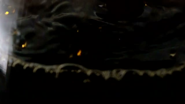 vídeos y material grabado en eventos de stock de café - cámara lenta - grano de café tostado