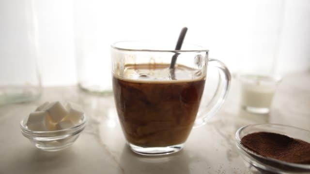Coffee and cream stir