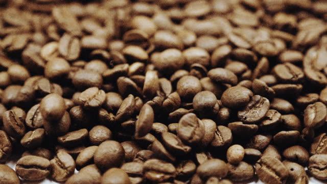 Grãos de café Câmera lenta