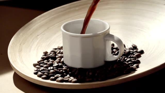 vídeos y material grabado en eventos de stock de café - grano de café tostado