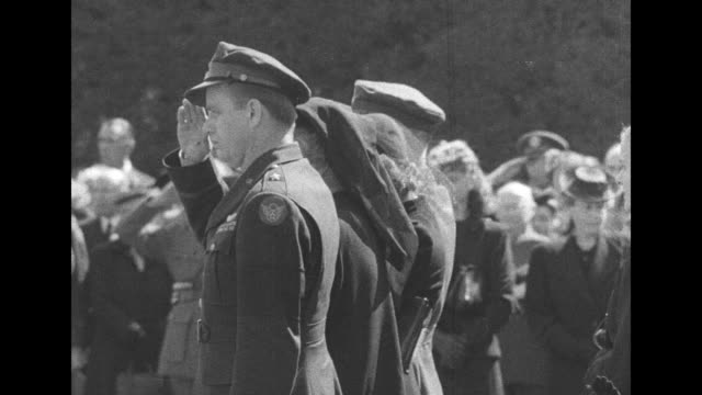 coffin carried to place by military pallbearers / vs flag-folding in front of flower draped casket by four navy & four army officers / vs officials... - minister clergy stock videos & royalty-free footage