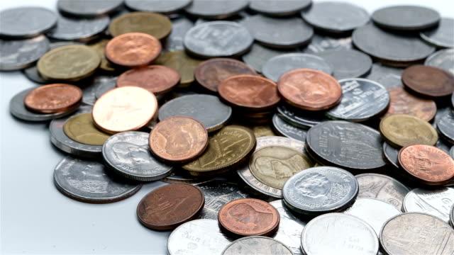 Pièces de monnaie amoncellent