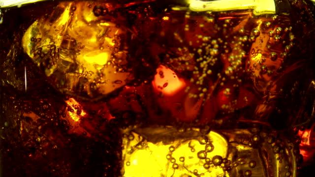 cola drink. (coke) - carbonated点の映像素材/bロール