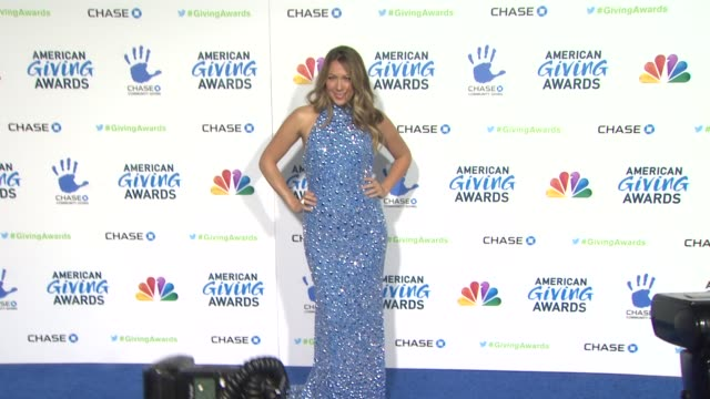 colbie caillat at the 2nd annual american giving awards presented by chase on in pasadena ca - hinterher bewegen stock-videos und b-roll-filmmaterial
