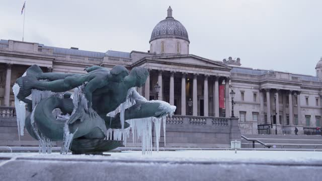 cold temperatures have caused the fountains of trafalgar square to freeze on february 11, 2021 in london, england. heavy snow brings a week of... - frozen stock videos & royalty-free footage