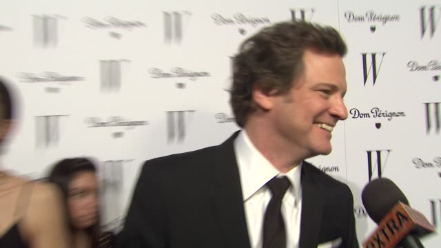 vídeos de stock, filmes e b-roll de colin firth at the w magazine celebrates the best performances issue and the golden globe awards at los angeles ca - colin firth